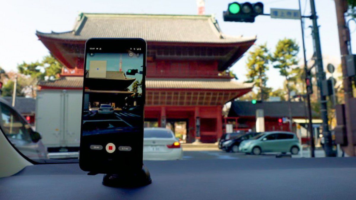 Google Street View gets Connected Photos posting options