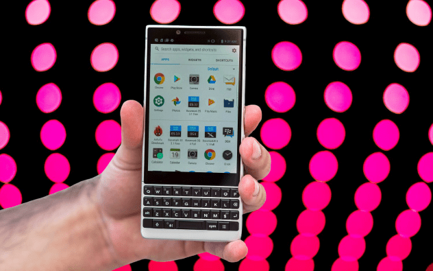 Huawei_acquires_90_patients_from_blackberry-techweu