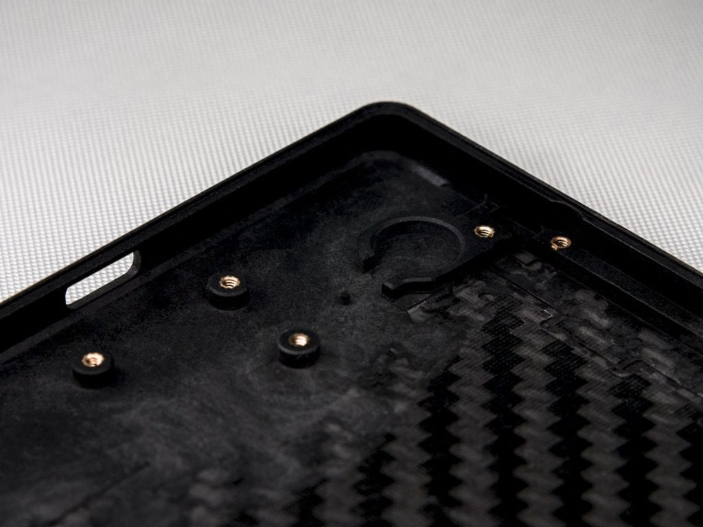 Carbon 1 MK II is first phone in the world with a carbon fiber monocoque 21